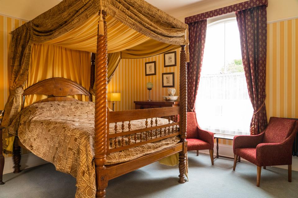 MonkBridge House Boutique Guest House York four Post bed